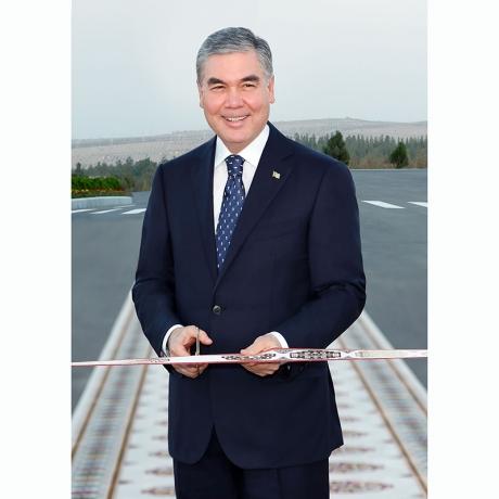 Hormatly Prezidentimiz Gurbanguly Berdimuhamedow baýramçylygyň öň ýanynda täze desganyň açylyş dabarasyna gatnaşdy