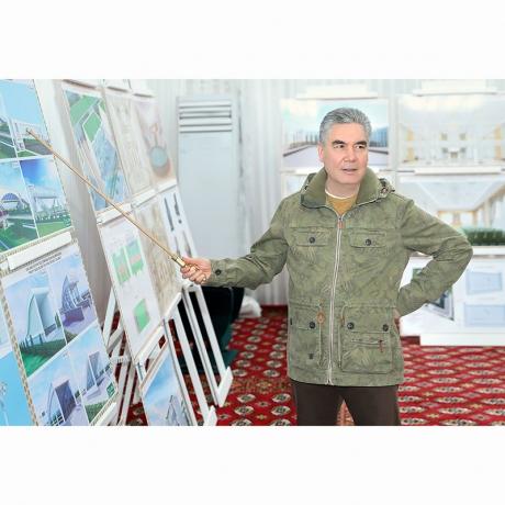 Türkmenistanyň Prezidenti Ahal welaýatynyň täze, döwrebap edara ediş merkeziniň gurluşygynyň barşy bilen tanyşdy